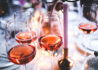 Health Benefits of Drinking Rose Wines